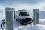 Auch bei arktischen Bedingungen zuverlässig auf der letzten Meile - Der Mercedes-Benz eSprinter absolviert seine finale Wintererprobung am Polarkreis