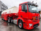 Heizöl-Fredy setzt auf Mercedes-Benz und investiert in einen Antos 2453 LS 6x2/2