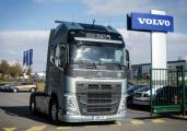 Der erste neue Volvo FH ist ausgeliefert