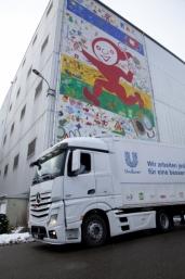 Der europaweit einzige Lastwagen von Unilever ist ein neuer Actros Euro 6