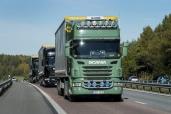 Scania auf grenzüberschreitender Kolonnenfahrt