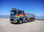 Die Kurt Brändle AG arbeitet mit einem neuen Fünfachser von Renault Trucks. Sein Fahrer ist begeistert