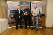"""Markus Moser (Service Advisor) und Hanspeter Zurflüh (Techniker) gewinnen das Schweiz-Finale des """"DAF Serviceteam of the Year 2019"""""""