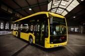 Emissionsfrei durch Berlin: Der erste von 15 vollelektrisch angetriebenen Mercedes-Benz eCitaro wird an die Berliner Verkehrsbetriebe (BVG) ausgeliefert