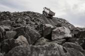 Neues I-Shift-Getriebe mit Kriechgängen ermöglicht Anfahren aus dem Stand mit 325 Tonnen