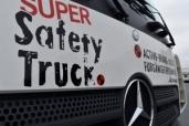 Mercedes-Benz Actros mit Safety-Pack und Abbiege-Assistent: Ultrafrische Safety-Flotte – Tevex Logistics setzt auf höchste Sicherheit mit dem Mercedes-Benz Actros