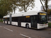 AAR bus+bahn testet Hybrid-Gelenkbus