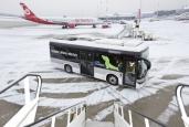Solaris-Elektrobus im Flughafen-Test am Hamburg Airport