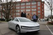 Volkswagen liefert ersten XL1 in der Schweiz aus